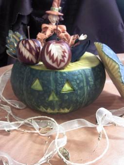 かぼちゃとりんごの飾り切り ハロウィンバージヨン